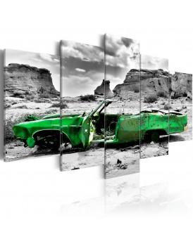 Schilderij - Green retro car at Colorado Desert